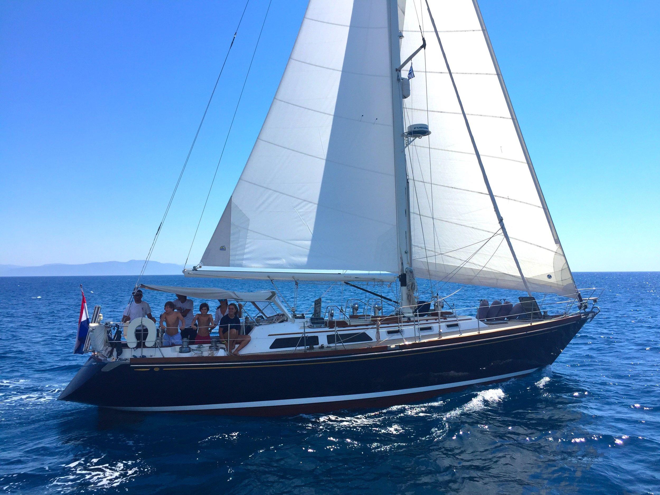 Sailing Yacht Azul, Alden 46