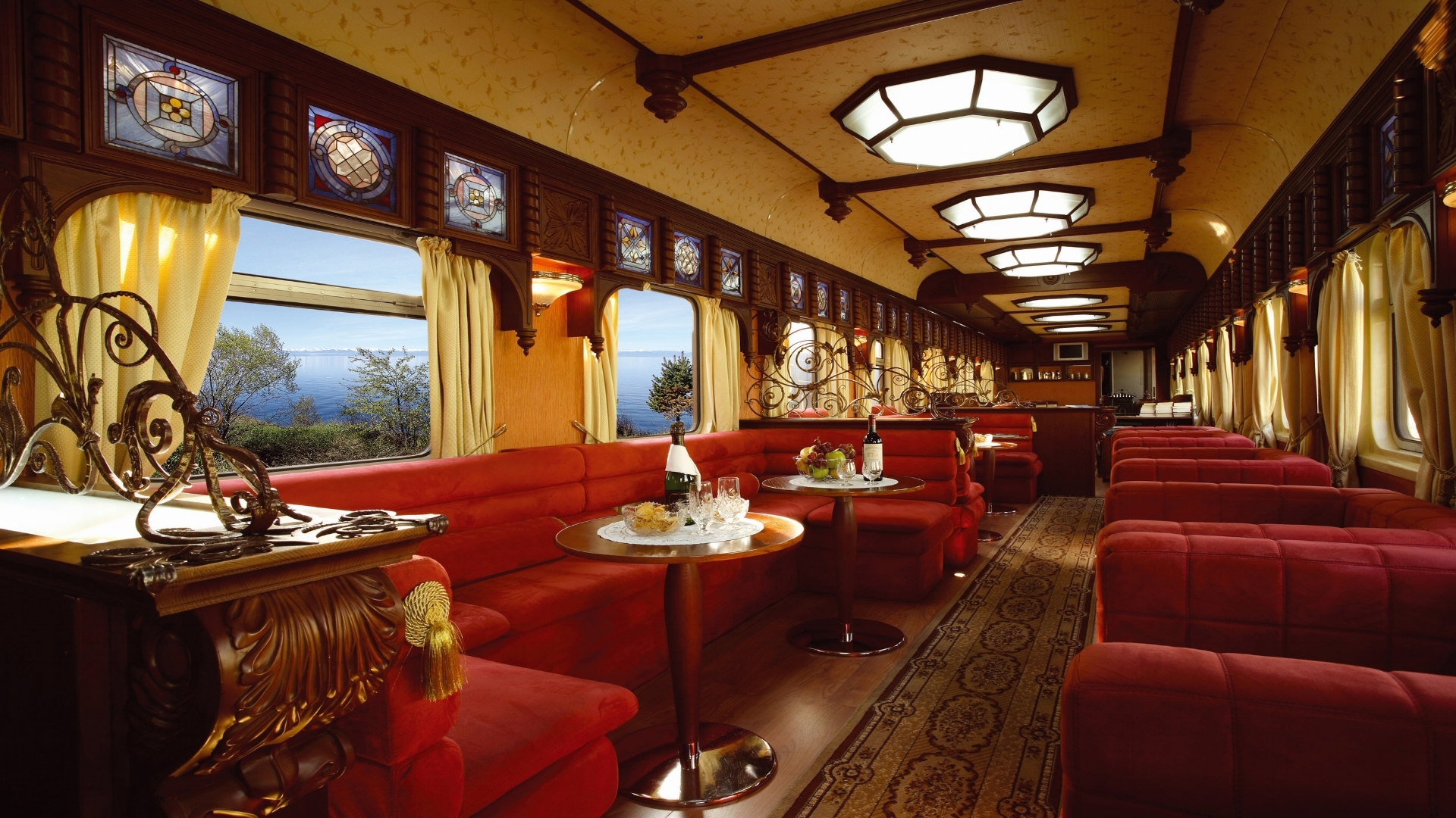 Golden Eagle - Bar Lounge Car.jpg