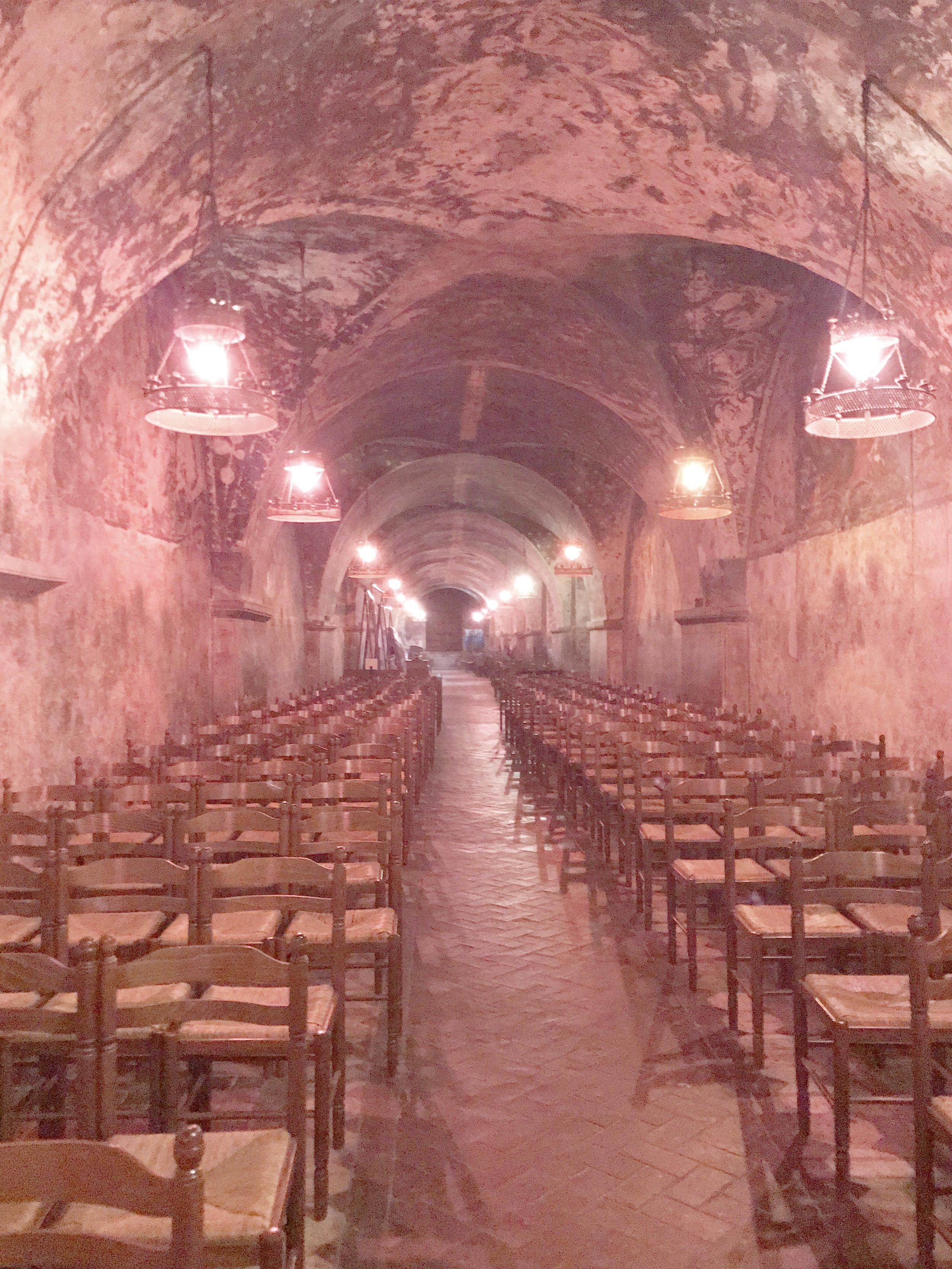 Chartres Crypt : Subterrranean Chapel