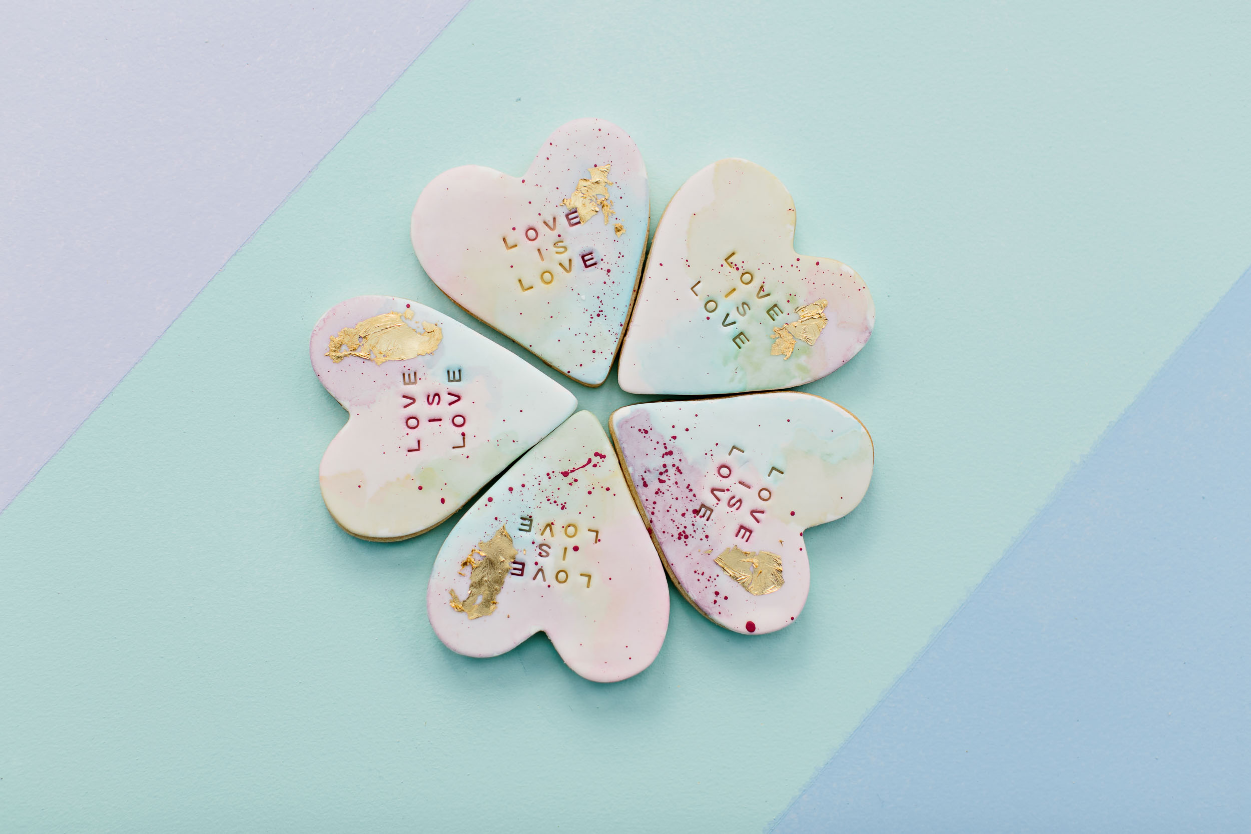 Pastel Customised Stamped Sugar Heart Cookies | Wedding Photography by Kas Richards