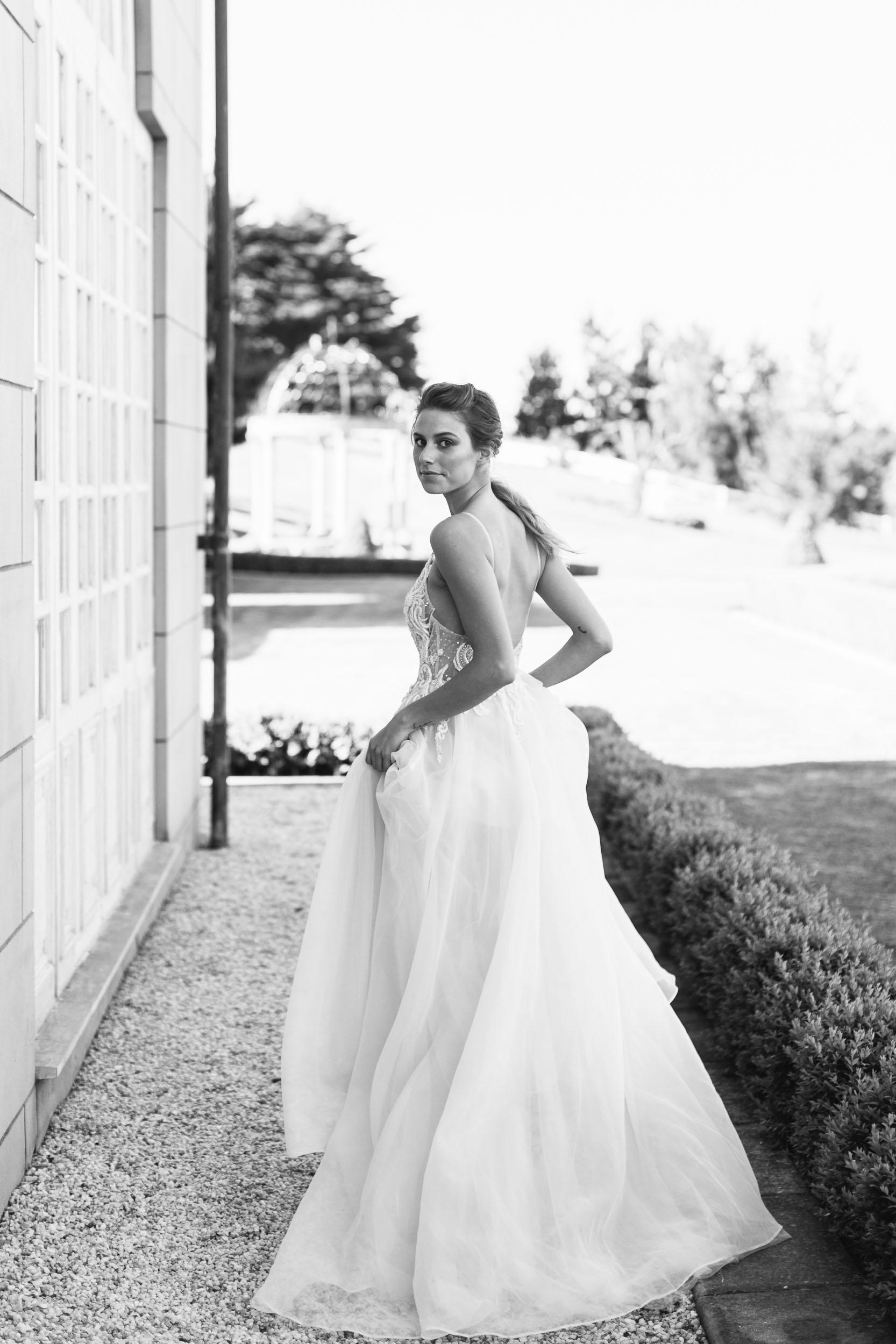 Berta Bride Back and White Wedding Photo | Wedding Photography by Kas Richards
