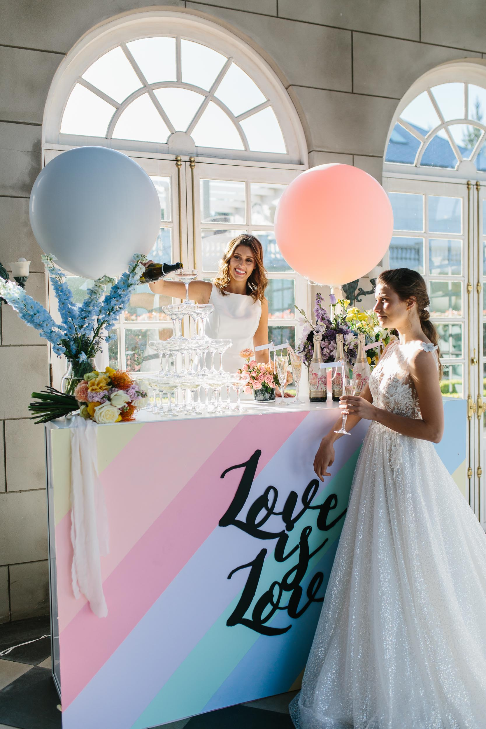 Luxe Colourful Bar with Balloons | Wedding Photography by Kas Richards