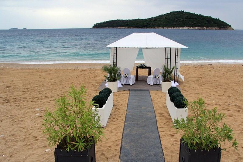 beach wedding 2.JPG