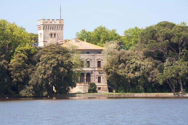 Villa Orlando  ,    Torre del Lago Puccini (Lucca)