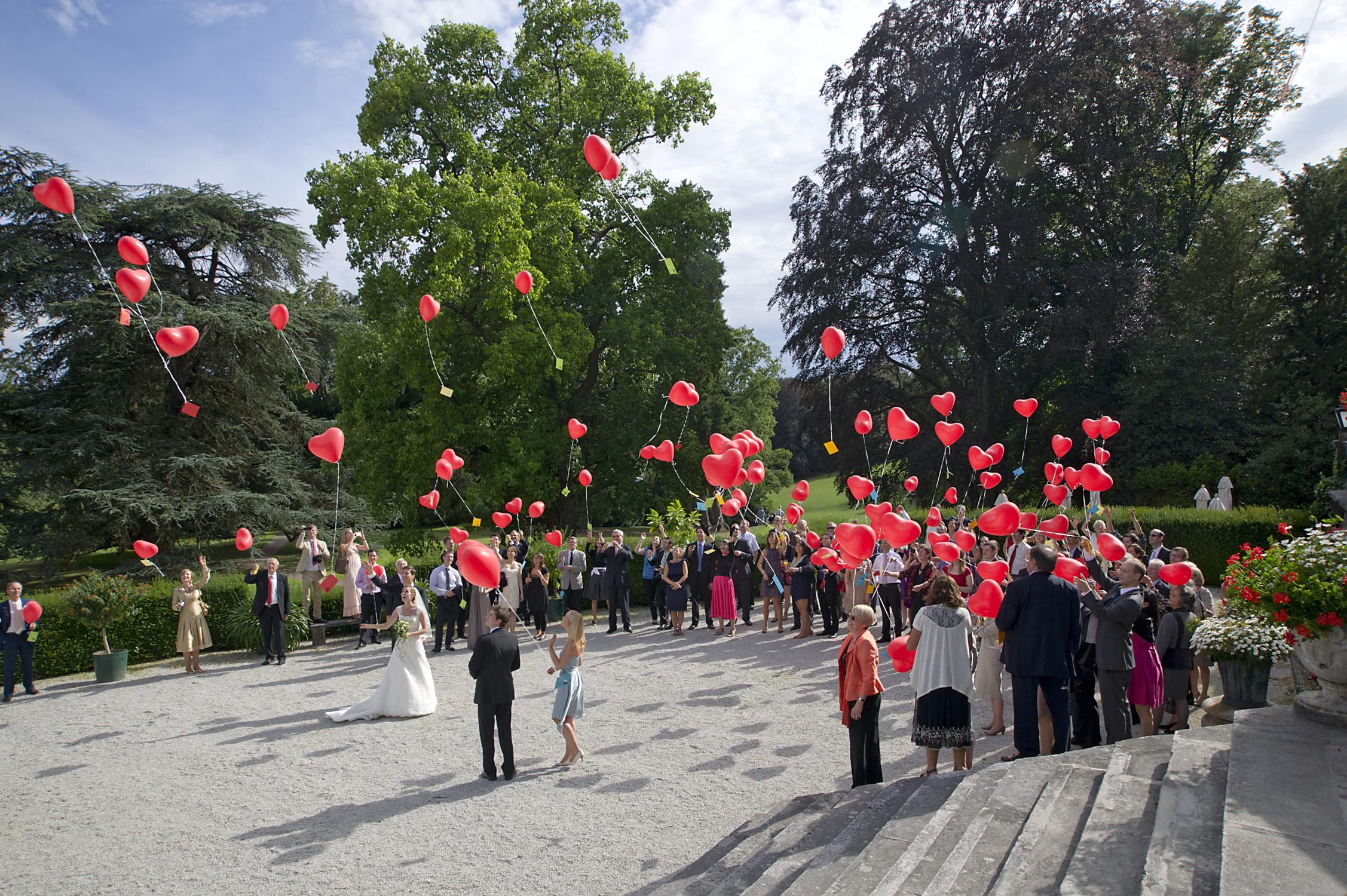 Wedding hearts on the Schlosshotel Kronberg domain