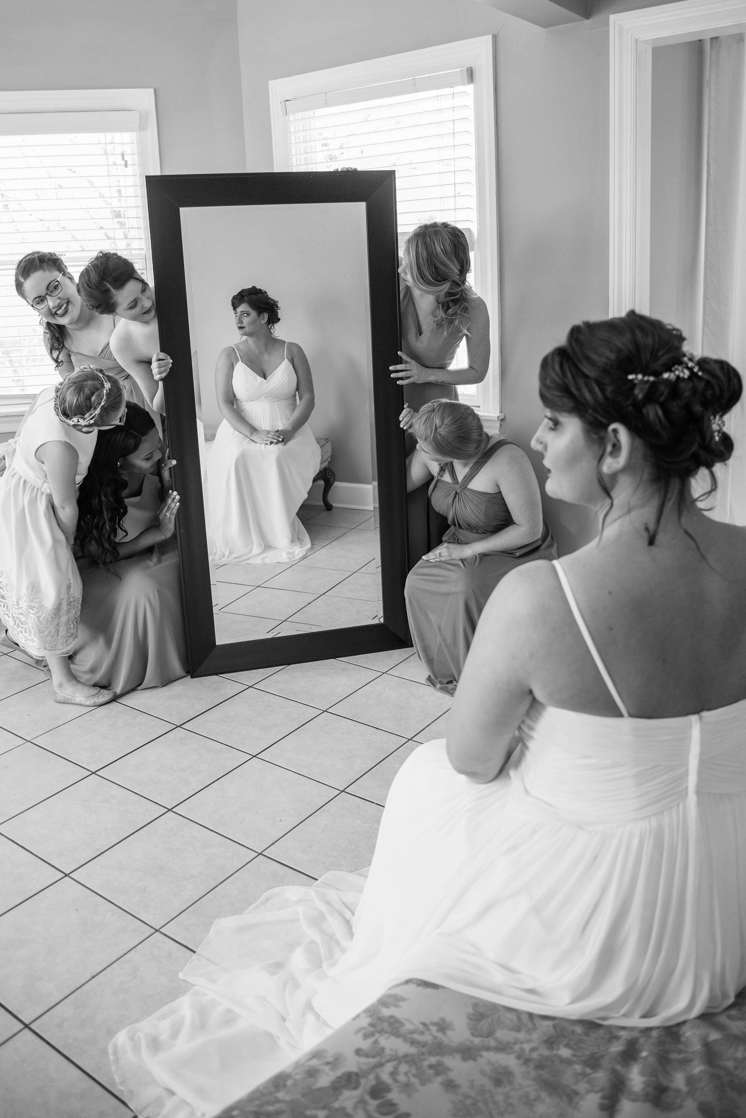 weddingpartyb&w-001.jpg