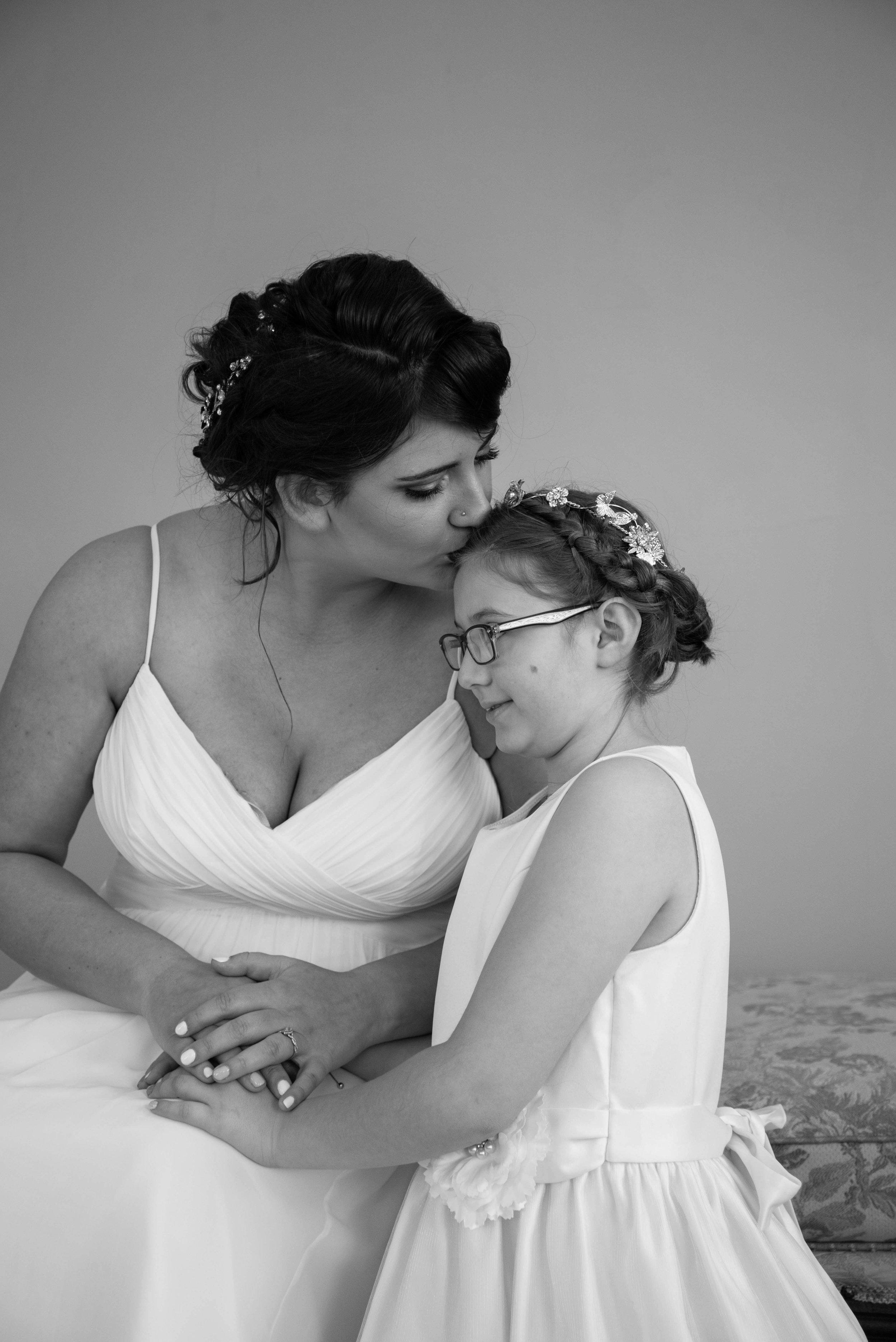 weddingpartyb&w-004.jpg