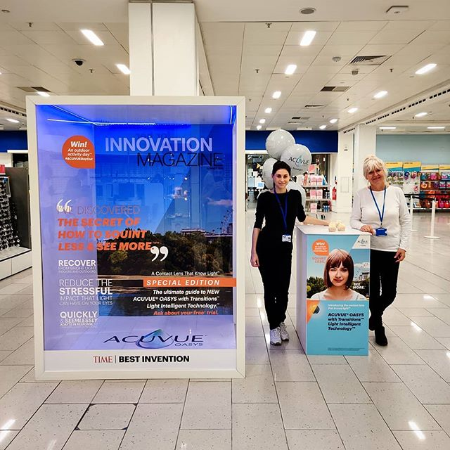 Great day today in Manchester at @bootsuk Manchester Market Street promoting @acuvueuk OASYS® with Transitions™ . . . . . #acuvue #uv #boots #agency #advertising #marketing
