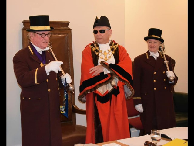 Mace Bearers and New Mayor.jpg