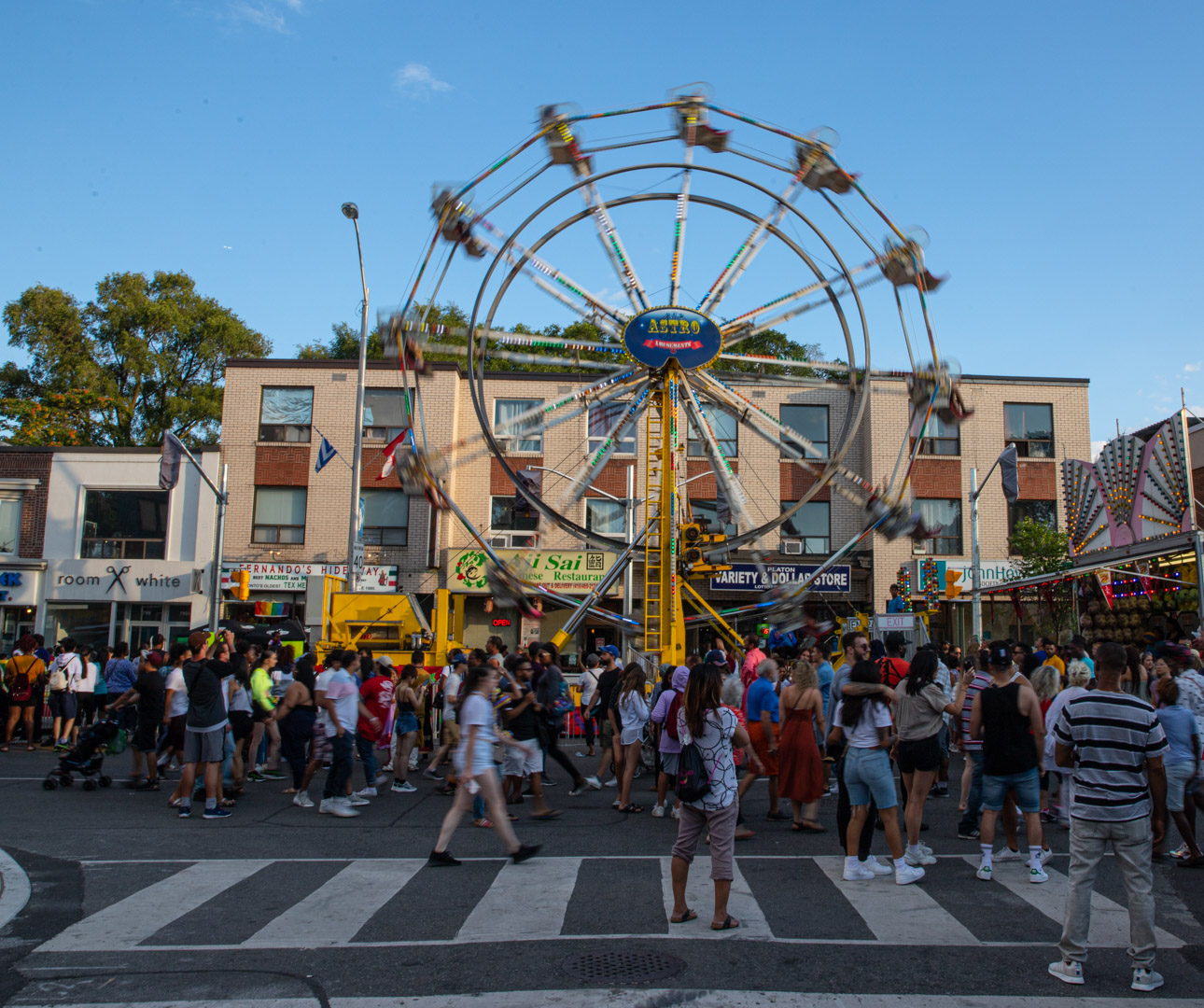 Sunday Evening at the Taste of The Danforth