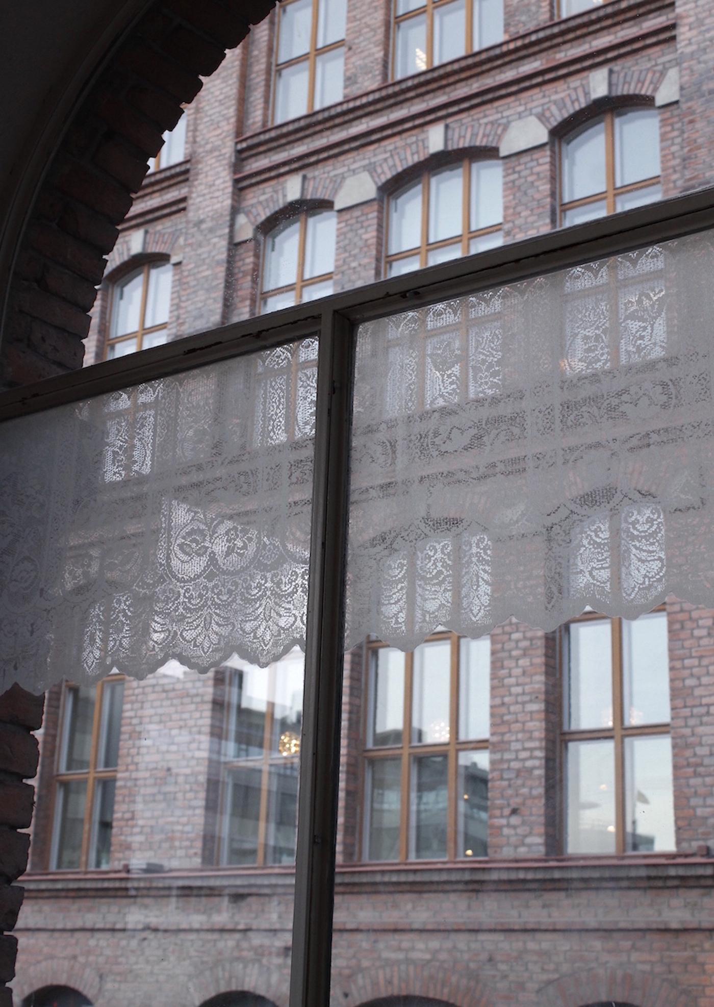 Curtain, 2015