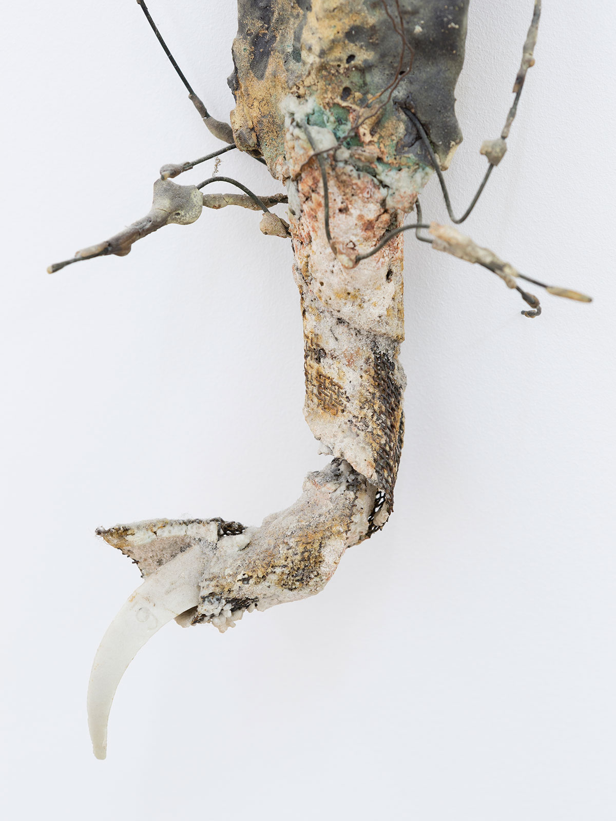 5.Hook-Figure-1994-Ceramic-loofahs-hooks-140-x-8-x-12-cm.jpg