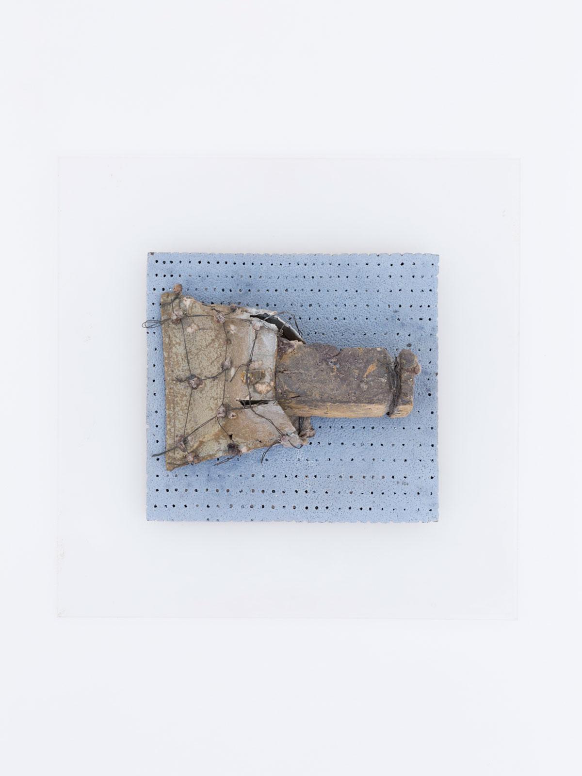 8.Wall-mounted-brick-bag-1981-Melted-brick-in-fibreglass-bag-ceramic-wire-58-x-58-x-15-cm - Copy.jpg