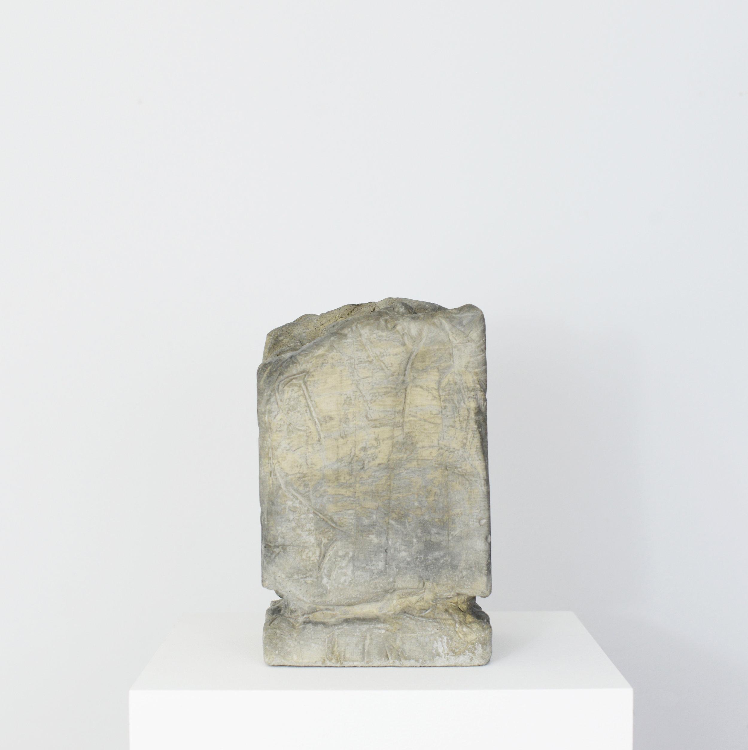 'Ruin' - Cement - 24 x 16 x 16 cm - 2017