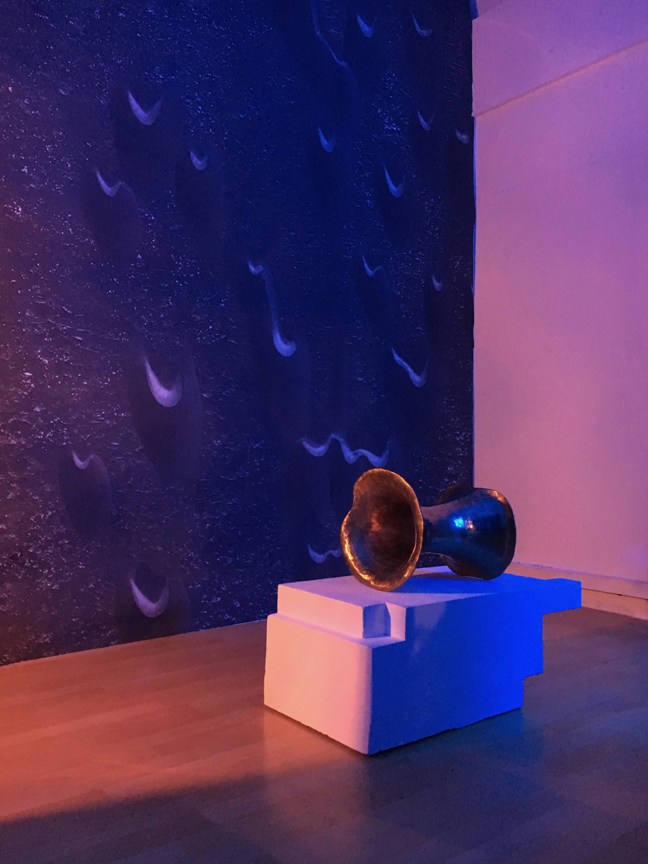 'Wormhole Bell' Raum Z13 2019