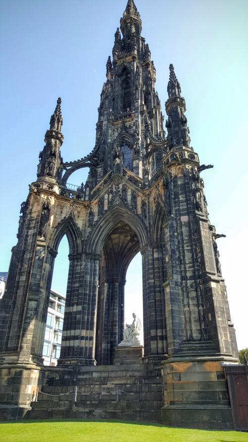 The Scott Monument in Edinburgh New Town.jpg