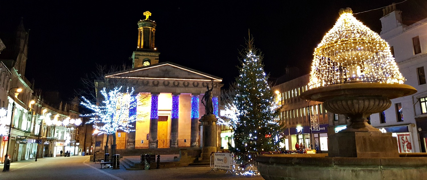 Elgin Christmas Lights. Hmm. Maybe everyone went shopping in Inverness that day.