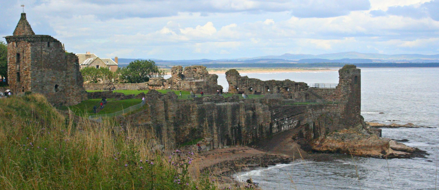 St Andrews Castle. Midge free? Well, statistically less likely than many other places to the west and north anyway. I think that's as far as I am able to go here.
