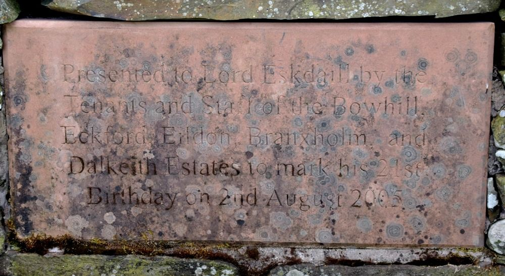 Inscription reads  'Presented to Lord Eskdaill by the tenants and staff of the Bowhill, Eckford, Erldon, Branxholm and Dalkeith Estates to mark his 21st Birthday on 2nd August 2005.'  (Maybe even some of the tenants were the ones evicted in 2017, for all I know...) Och, well, they had to give the laddie something, I suppose.