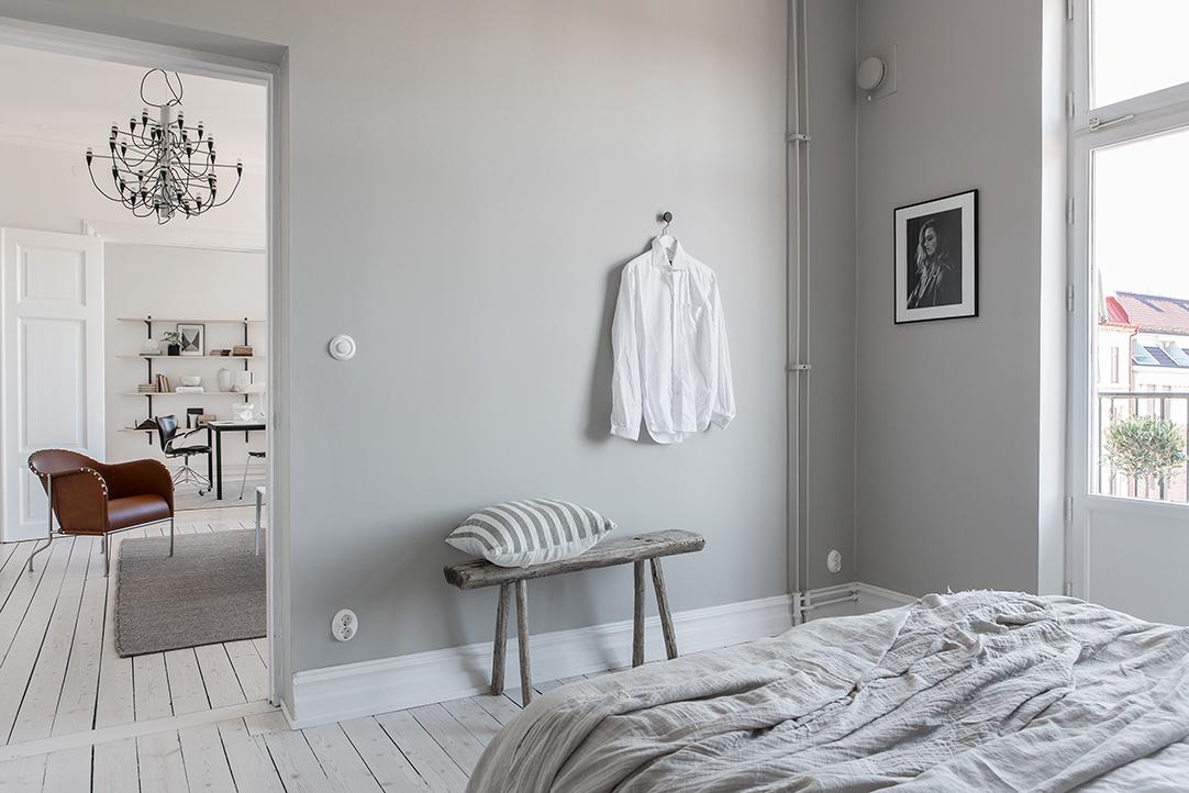 Grey bedroom with linen beddings.