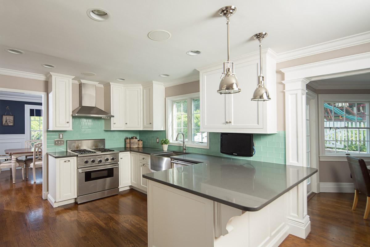 Transitional White Kitchen Cabinets