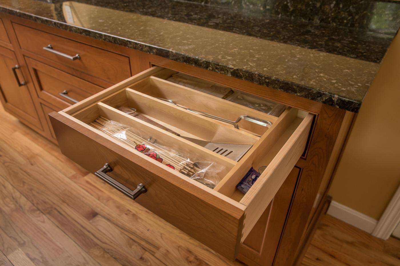 Kitchen drawer silverware wood organizer
