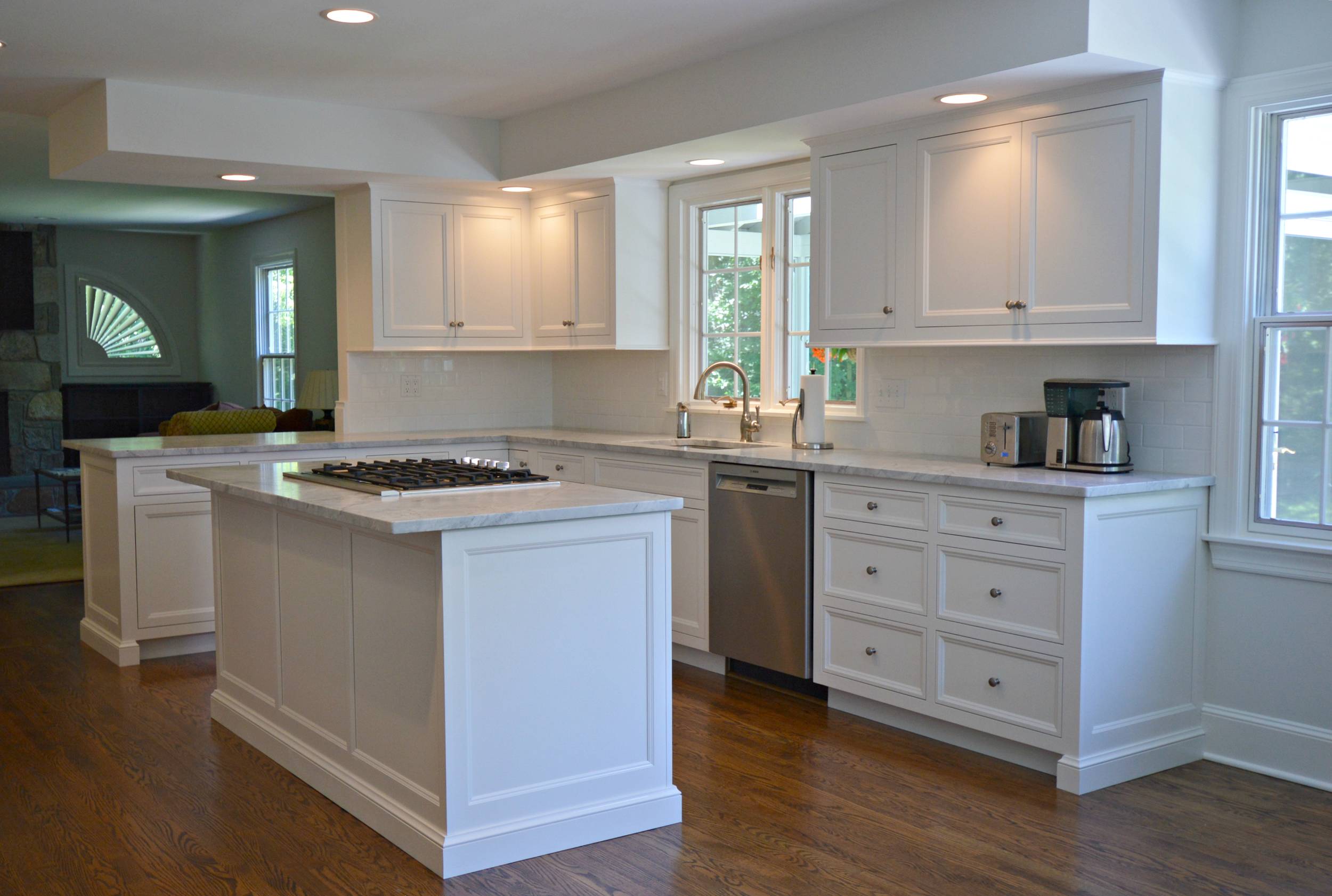Classic White Kitchen Cabinets - Ackley Cabinet LLC