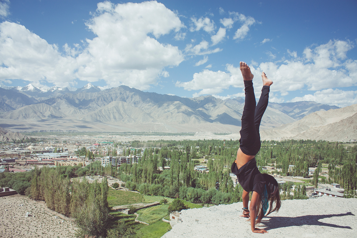 How Digital Nomads Stay In Shape While Traveling - Classpass: The Warmup