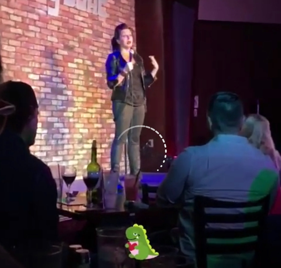 front row - comedy club