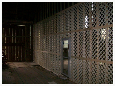 Pre-flight cage for large predator birds at Pineview Wildlife Rehabilitation Center built with a grant from the Dutton Foundation.