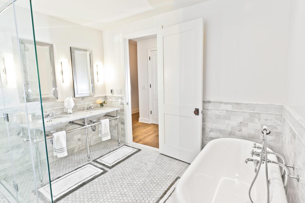 Windowless-bathrooms-2.jpg