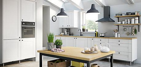 IT_Kitchen_Westleigh_Ivory_Style_Shaker_Main_Room_Shot.jpeg