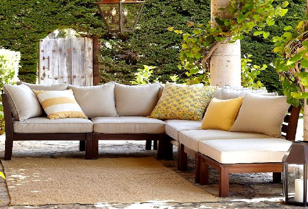 amazing-outdoor-sofa-wood-patio-couch-out-of-palets-wooden-outdoor-sofas-maintenance-tips.jpg