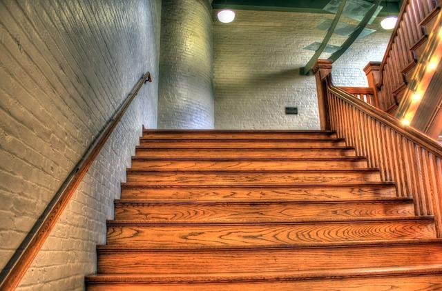 staircase-347318_640.jpg