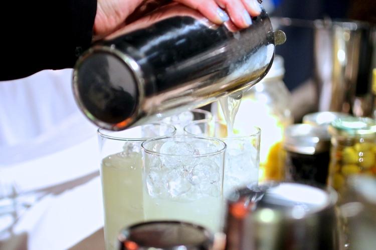 cocktail+pour.jpg