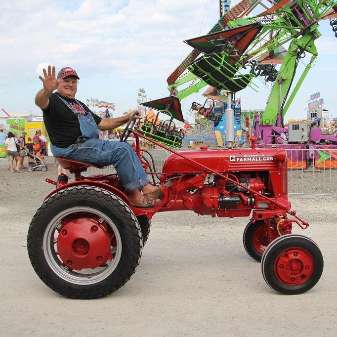tractor+parade.jpg