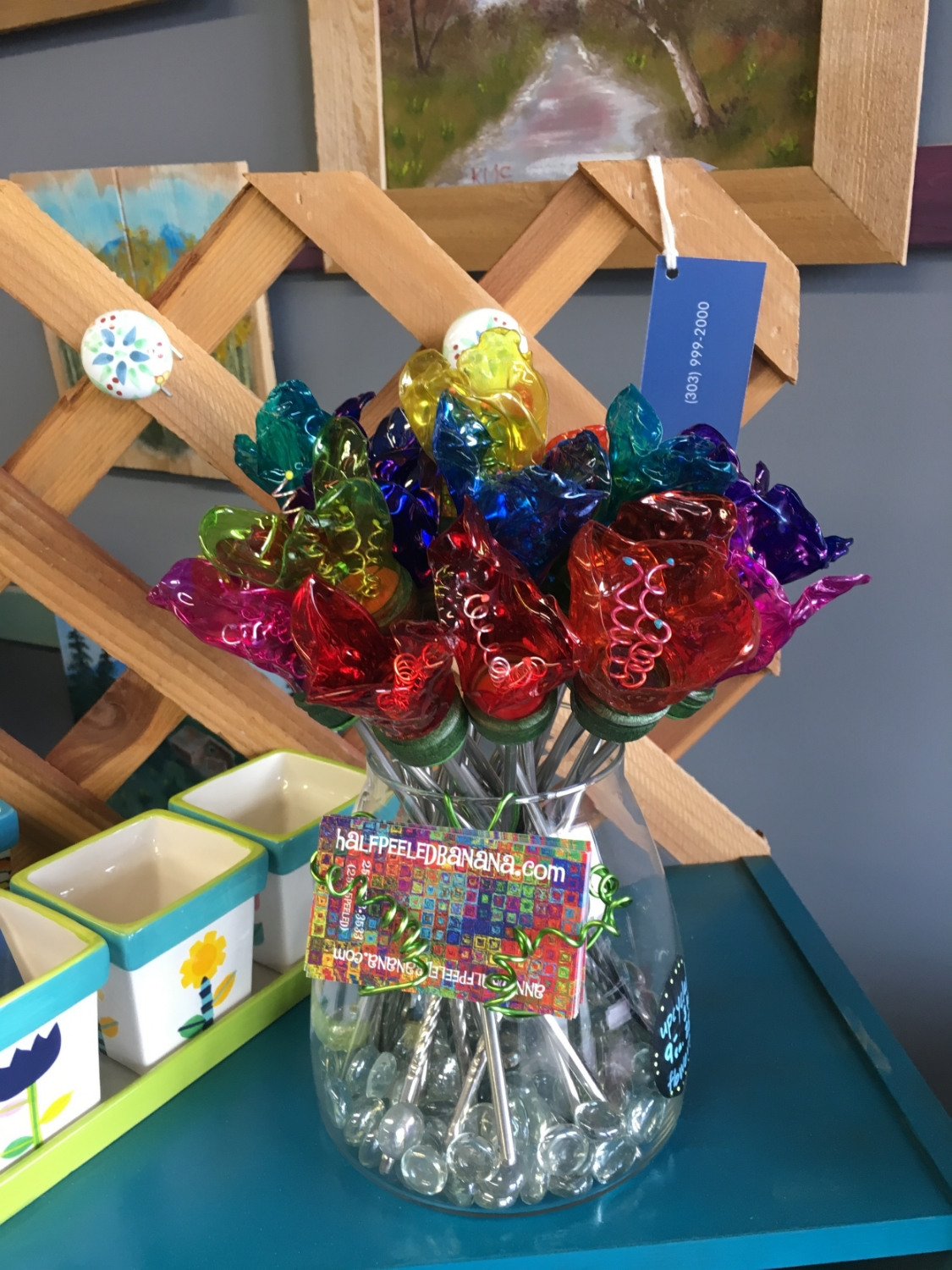 add some color to your world!! upcycled water bottle flowers by ann vanatta gutierrez