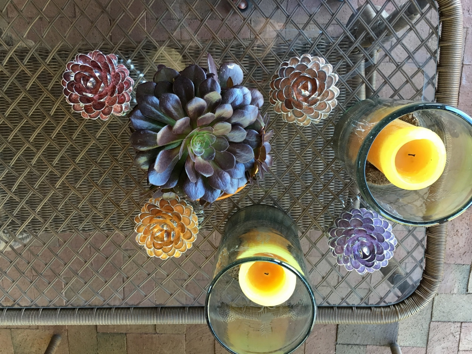 "fabulous patio decor with 5"" tabletop spoon flowers"