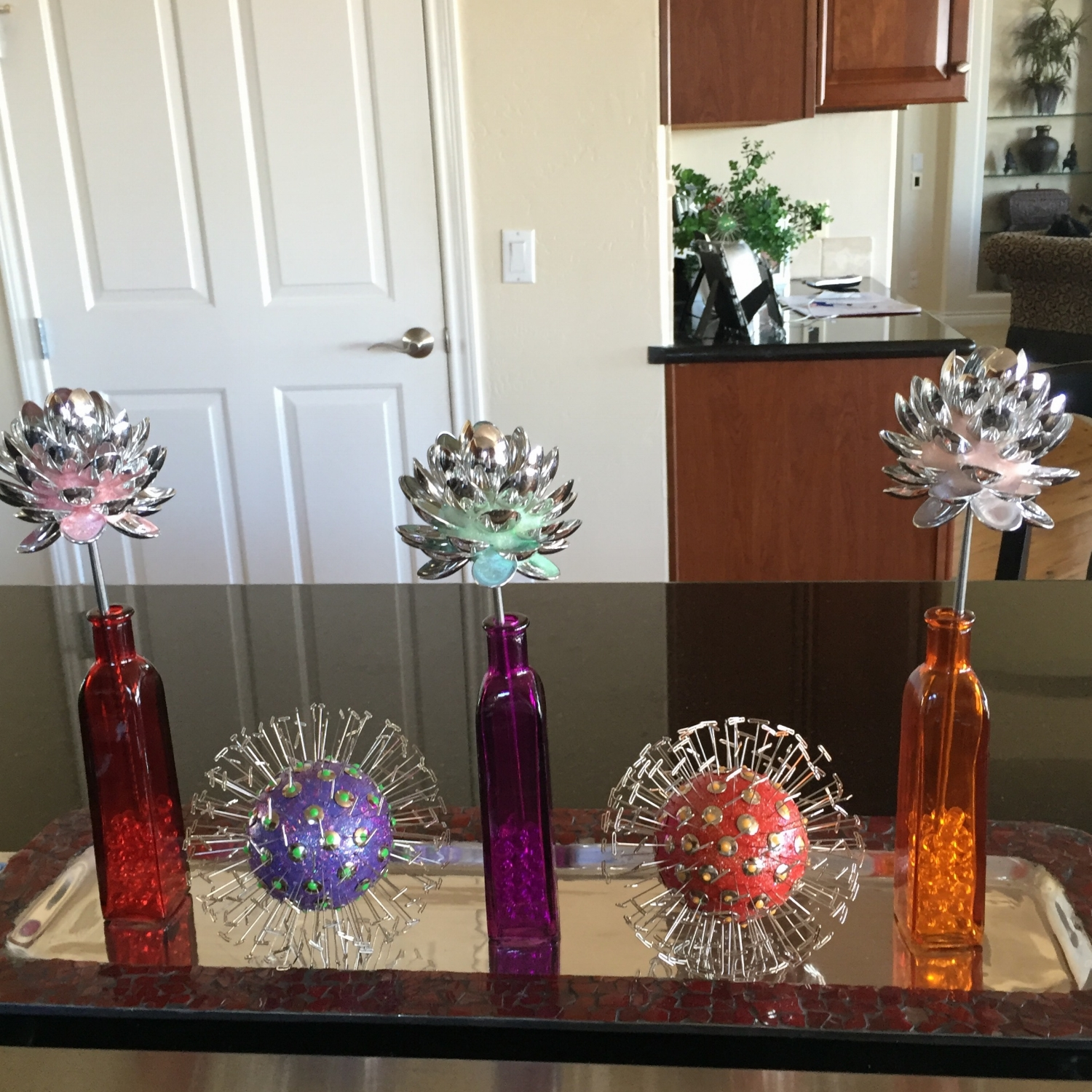 "4"" tabletop spoon flowers and 5.5"" stemless dandis perfect on the kitchen island!"