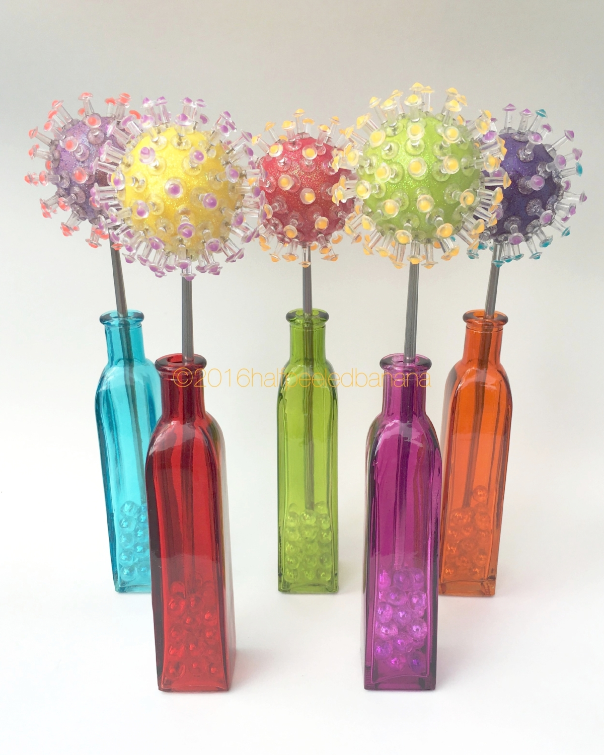 fun & funky for your home or office - push pin flowers!