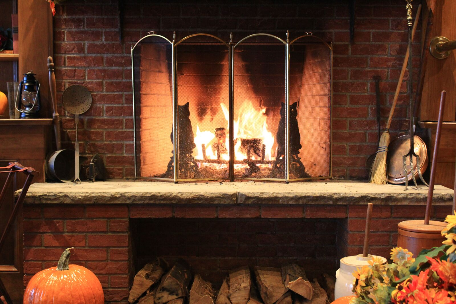 WCT_Fireplace_Pumpkin.jpg
