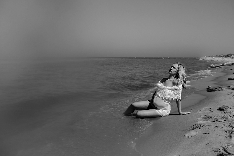 ludington-michigan-maternity-photographer-west-michigan-water-maternity_0009.jpg