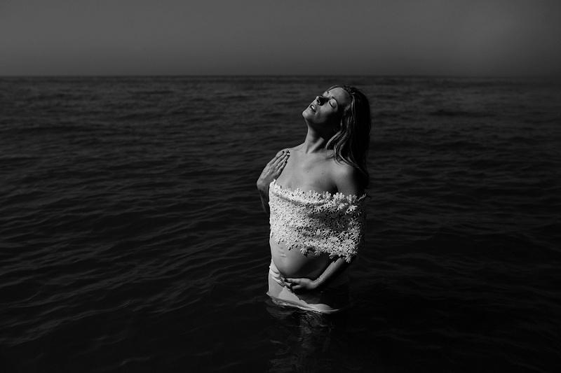 ludington-michigan-maternity-photographer-west-michigan-water-maternity_0011.jpg