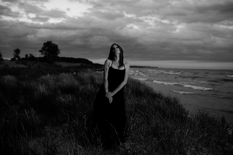 ludington-michigan-maternity-photographer-west-michigan-sand-dunes-maternity_0060.jpg