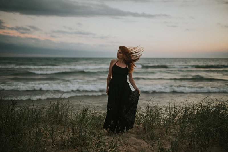 ludington-michigan-maternity-photographer-west-michigan-sand-dunes-maternity_0065.jpg