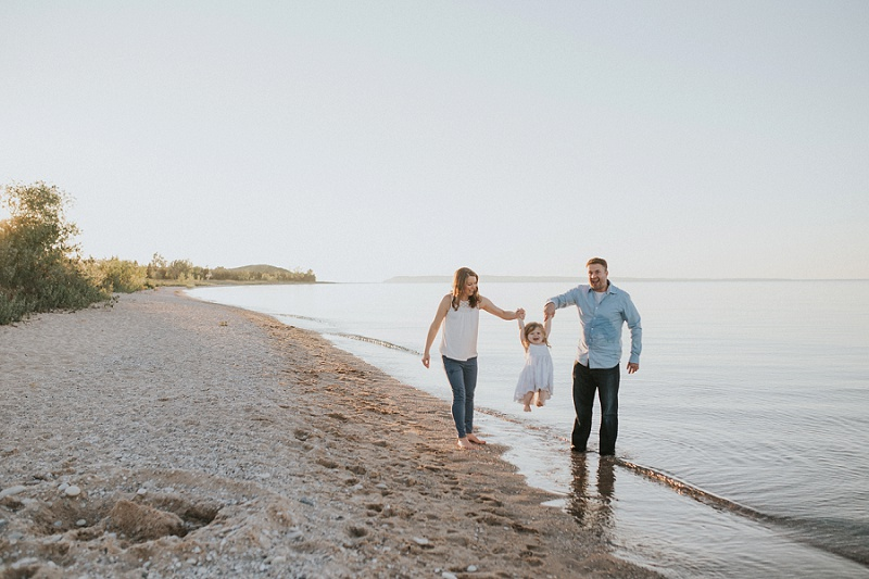 ludington-michigan-maternity-photographer-west-michigan-sand-dunes-maternity-jennifer_0102.jpg