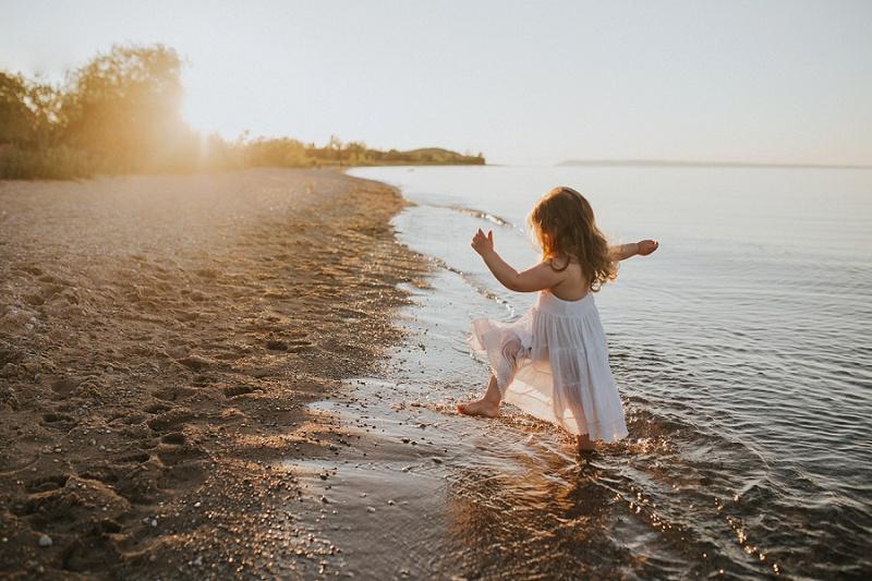 ludington-michigan-maternity-photographer-west-michigan-sand-dunes-maternity-jennifer_0105.jpg