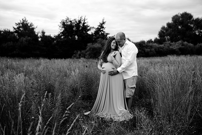 ludington-michigan-maternity-photographer-west-michigan-sand-dunes-maternity-jennifer_0123.jpg