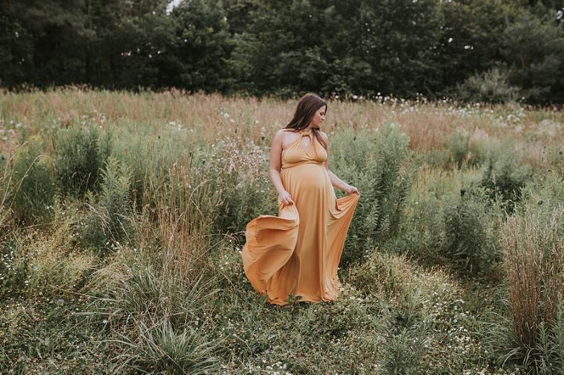 ludington-michigan-maternity-photographer-west-michigan-sand-dunes-maternity-jennifer_0125.jpg