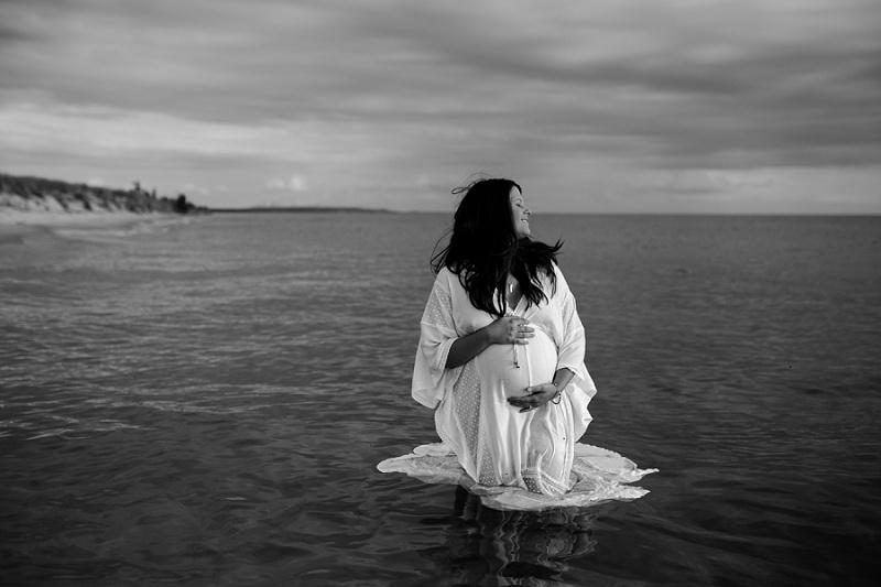 ludington-michigan-maternity-photographer-west-michigan-sand-dunes-maternity-jennifer_0131.jpg